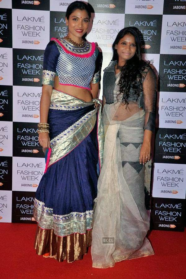 Hemangi Parte with fashion designer Vaishali S during Lakme Fashion Week curtain-raiser, held in Mumbai, on July 28, 2014. (Pic: Viral Bhayani)