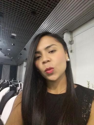 Caren Bautista Photo 10