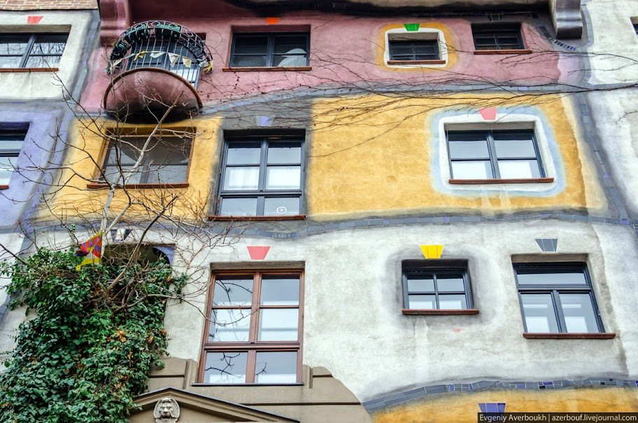 https://lh5.googleusercontent.com/-GBtT9WxQKMY/USXkNN1rc9I/AAAAAAAANro/dAhUNkSK5Qc/s912/Austria-Architecture-Hundertwasserhaus-2-012.JPG