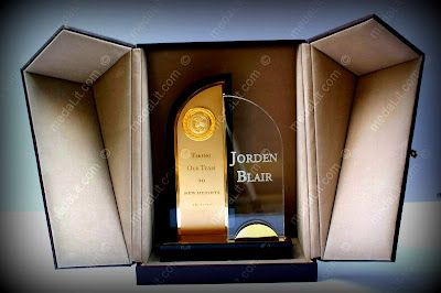 Tr.501A or B. Achievement. Get an instant quotation and brochure: http://goo.gl/hFtP3. The Topaz series. Luxury Personalized Trophies. Prices: http://goo.gl/QdlHA. Info: http://goo.gl/RTYYn. Absi Co. www.medaLit.com