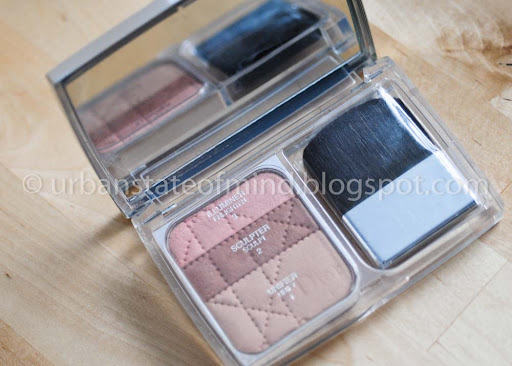 diorskin nude natural glow hydrating makeup spf 10. serie Dior Diorskin Nude.