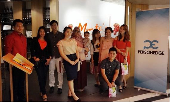 gambar blogger bersama tim Person Edge