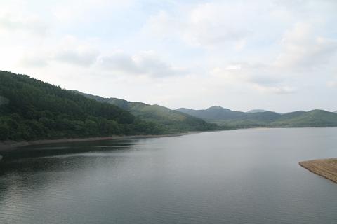 JR北海道 「リバイバルまりも」 車窓 金山湖 その2