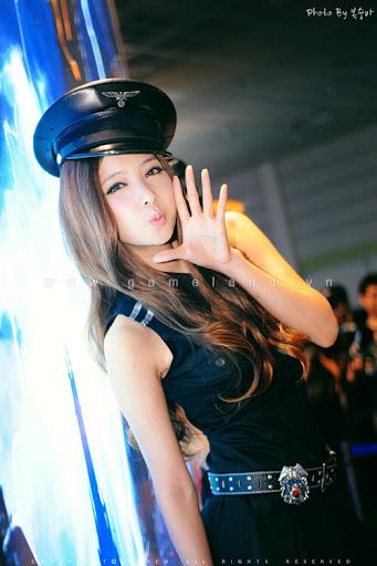 Nữ cảnh sát gợi cảm tại Dungeon & Fighter Festival 6