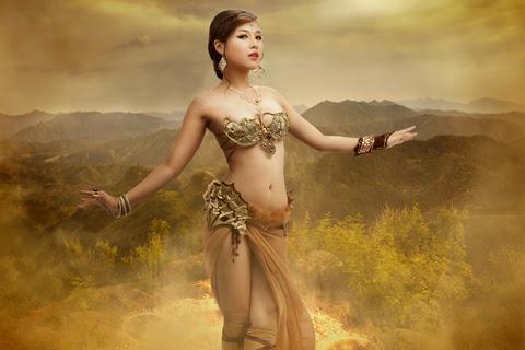 Song nữ khoe dáng với cosplay Truyền Thuyết Bóng Đêm 6
