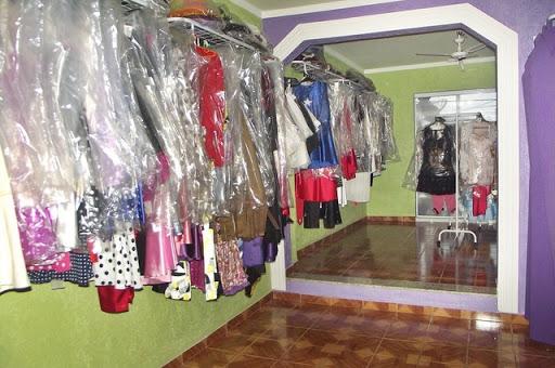 79e8b0d310bc8e Eureka Fantasias - Aluguel de Fantasias, Rua Indianópolis, 53 ...