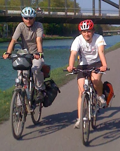 Chris und Johannes on the Bike, Radweg am Dortmund-Ems-Kanal in Münster, Westfalen