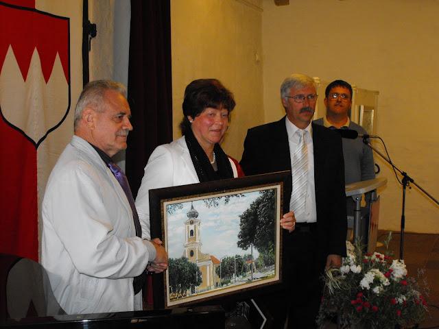 Zimmermann Ferenc remekbe szabott képeit kapta a polgármester-asszony