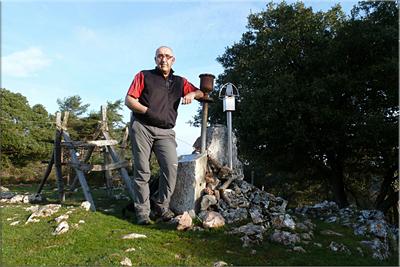 Raso mendiaren gailurra 1.046 m.  --  2013ko apirilaren 13an
