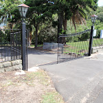 Gates at the top of driveway to Stricland House (254843)