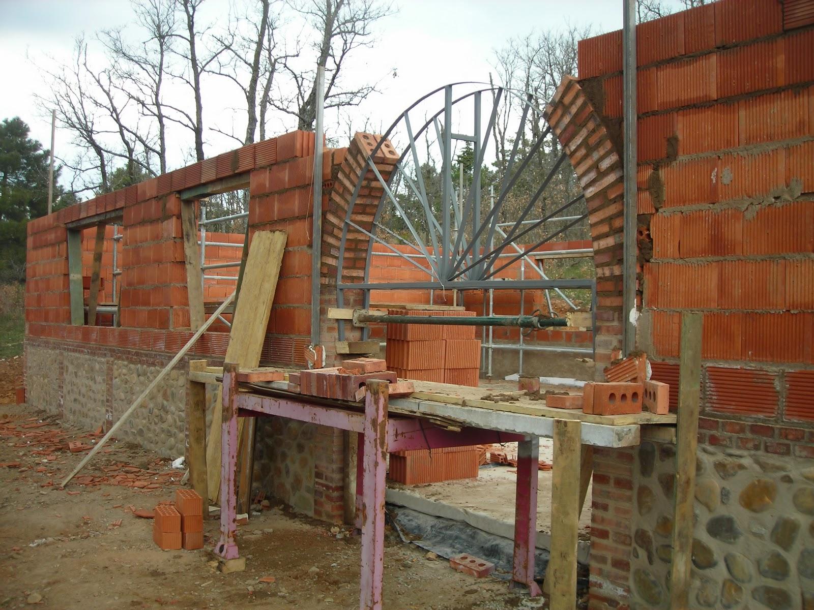 El cueto del moro alumnos que hacen arcos de medio punto en ladrillo visto - Arcos de ladrillo rustico ...