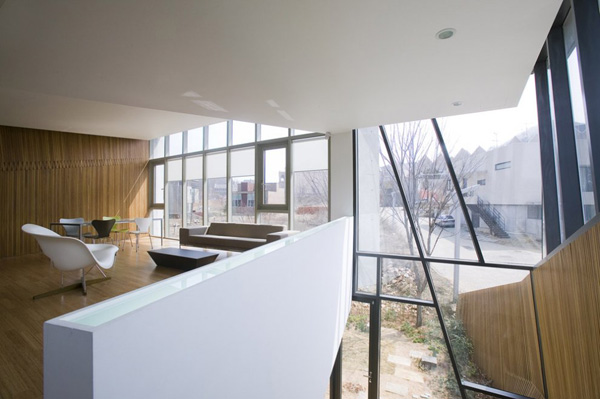 Desain Rumah Unik Modern Minimalist di Lembah Heyri Art