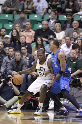 wearing brons nba lebron10 id paul milsap 08 Wearing Brons: Paul Millsap Rocks Nike LeBron X iD Jazz PEs