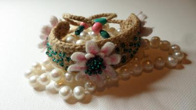 Felt and Crochet flower bracelet, close up of flowers