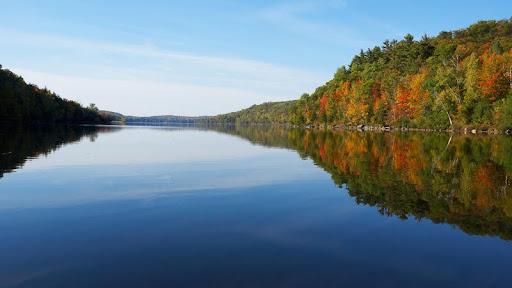 Meech Lake, Quebec, Canada.jpg