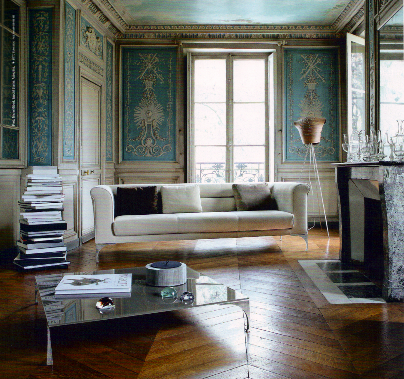 splendid sass roche bobois. Black Bedroom Furniture Sets. Home Design Ideas