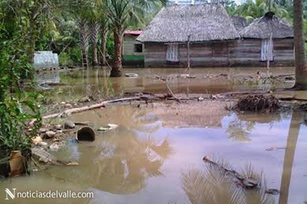 Coordinan ayuda a familias por desbordamiento de Rio Naranjo