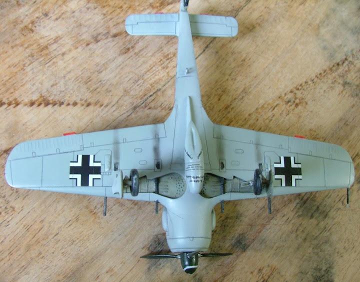 [Academy] Focke Wulf Fw-190A-8 DSCF3041