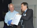 Dr. Peter Müller überreichte den Publizistikpreis 2012 an den Autor Walter Schmidt