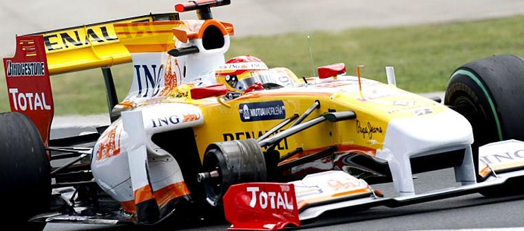 Fernando Alonso sin una rueda en el GP de Hungría 2009