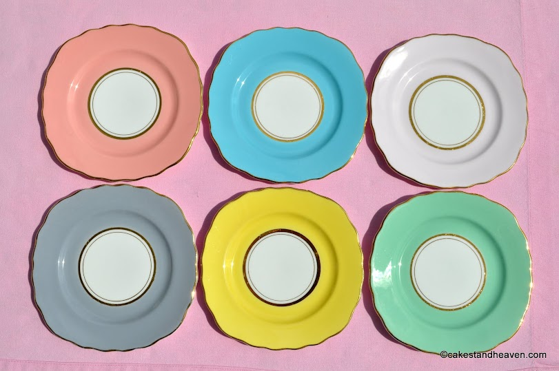 Six square tea plates