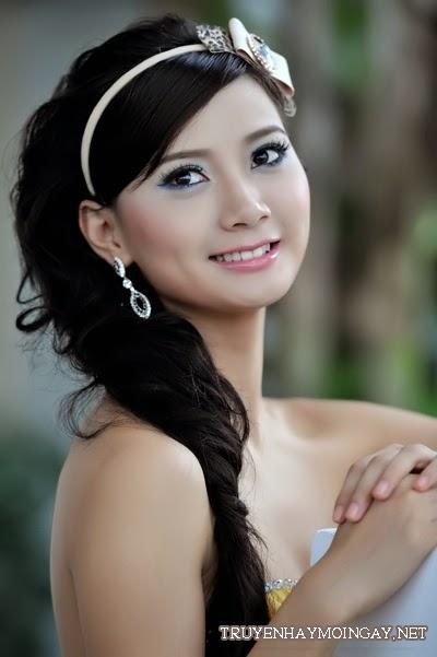 Duyên Dáng Cùng Hot Girl Má Lúm Đồng Tiền