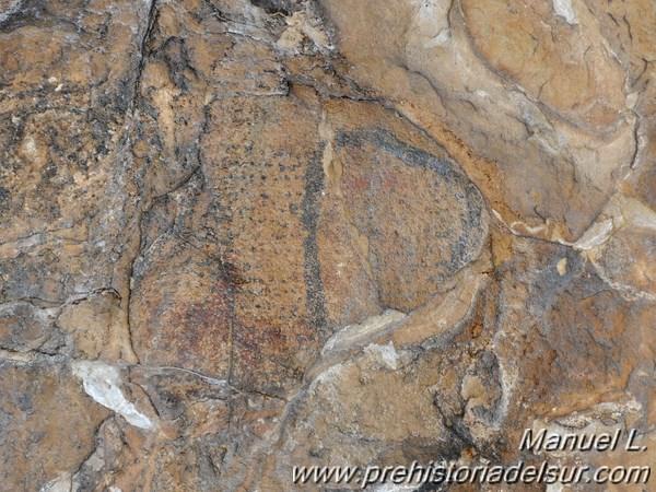 Nasa de pesca y cefalopodo en el abrigo rupestre de la Laja Alta