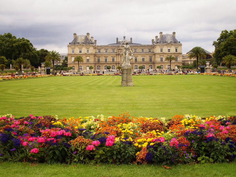 Notes from the streets of paris in august jack and jill travel - Jardin de luxembourg hours ...
