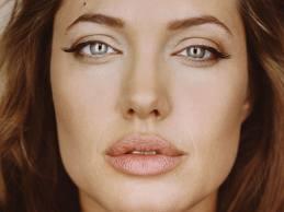 jolie lips Angelina