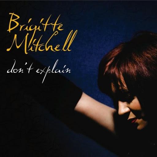 Brigitte Mitchell Photo 14