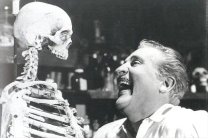 El esqueleto de la señora Morales 1960