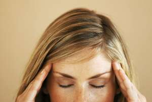 TIPS CARA MENYEMBUHKAN SAKIT KEPALA CEPAT ALAMI TIPS CARA MENYEMBUHKAN SAKIT KEPALA CEPAT ALAMI Atasi Sakit Kepala Berdenyut