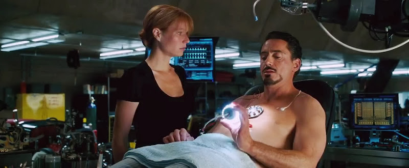 Screen Shot Of Hollywood Movie Iron Man (2008) In Hindi English Full Movie Free Download And Watch Online at Alldownloads4u.Com