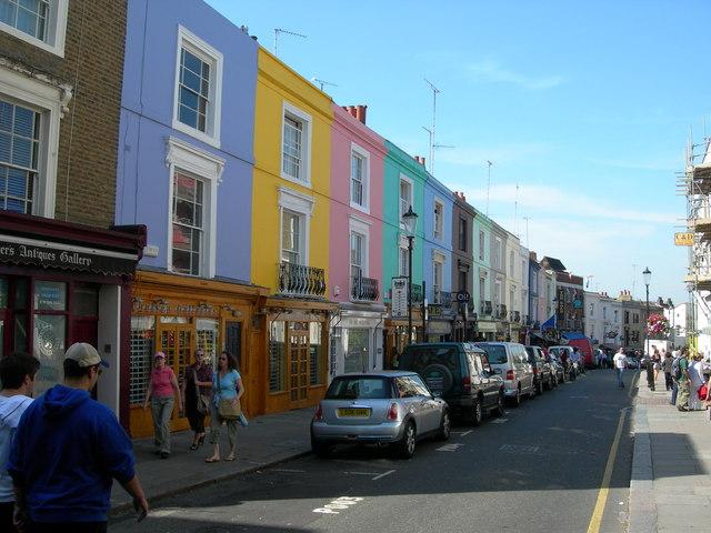 portobello road, londres, casas colores