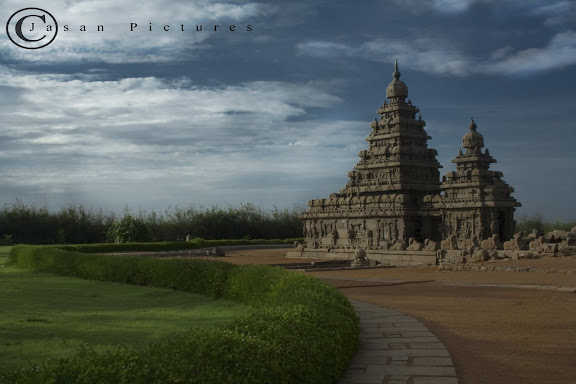 The Mahabalipu​ram Shore temple