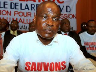 Martin Fayulu le 31/03/2014 dans la salle Fatima à Kinshasa, lors d'une rencontre des opposants et des membres de la société civile congolaise. Radio Okapi/Ph. John Bompengo