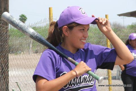 Verónica Rodríguez de Pekes de Bustamante en el softbol femenil del Club Sertoma