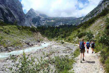 Hiking Zugspitze