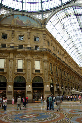 Interior de las galerías Vittorio Emanuelle