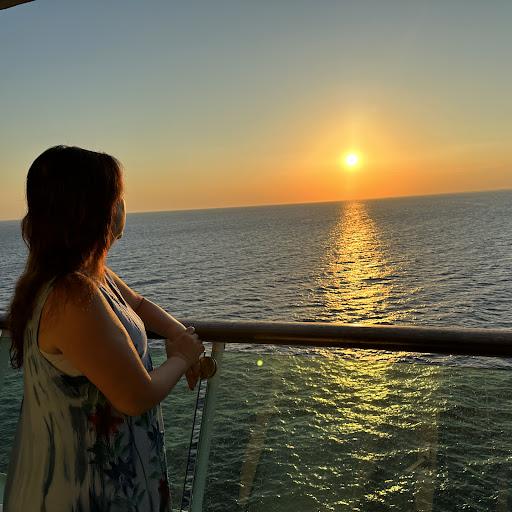 Christine Chau Photo 17