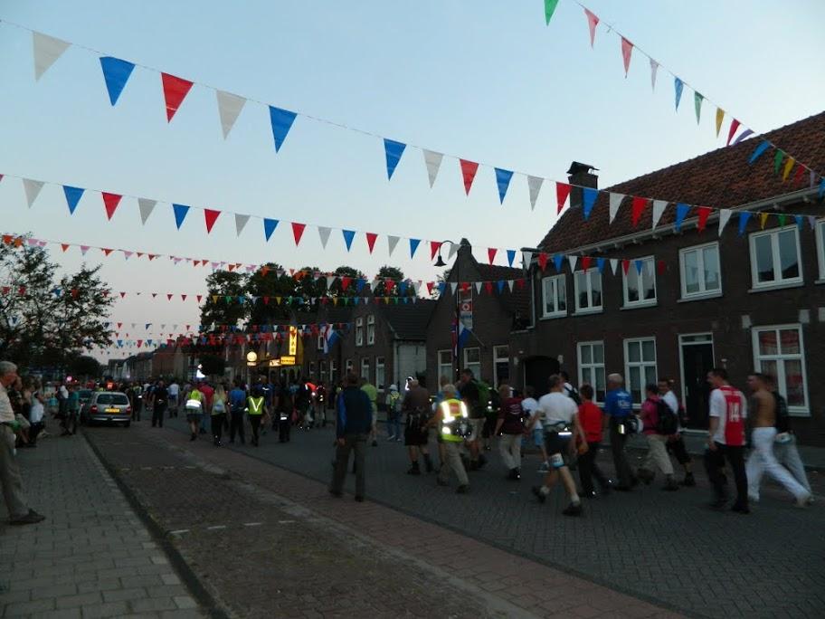 80km van de Langstraat (marche Kennedy Waalwijk)14-15/9/2013 DSCN3367