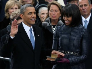 President Obama gets sworn in with 2 bibles