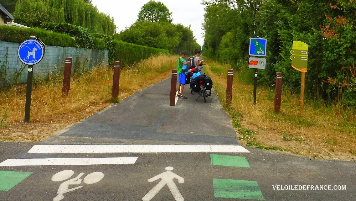 La voie verte de Trans Oise à Saint Germer de Fly - Paris Londres à vélo par veloiledefrance.com