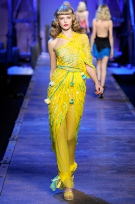 У моду увійдуть і вечірні сукні з