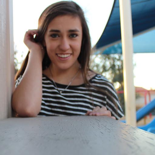 Miranda Weiss Photo 7