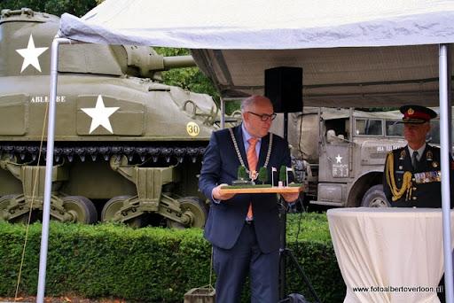 OVERLOON 08-10-2011 Officiële tankoverdracht  (55).JPG