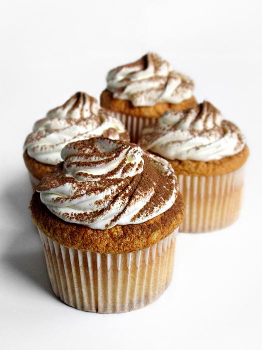 Tiramisu cupcakes recipe tinascookings.blogspot.com