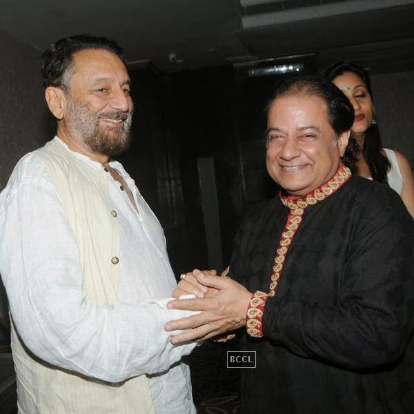 Shekhar Kapur and Anup Jalota during the birthday celebrations, in Mumbai, on July 29, 2014. (Pic: Viral Bhayani)