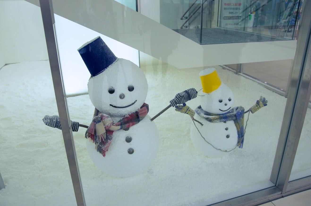 フロアを飾る雪だるま
