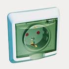 Розетки и устройства управления внутри ванных и душевых